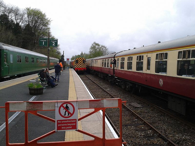 08937 propels a DR shuttle full of railtour passengers to Meldon
